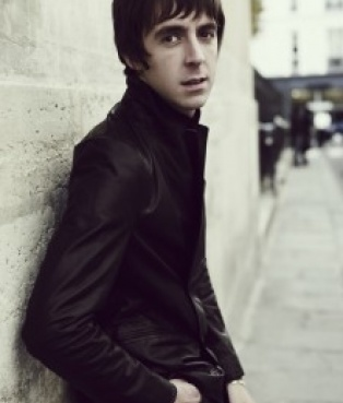 Miles Kane Song Lyrics | MetroLyrics